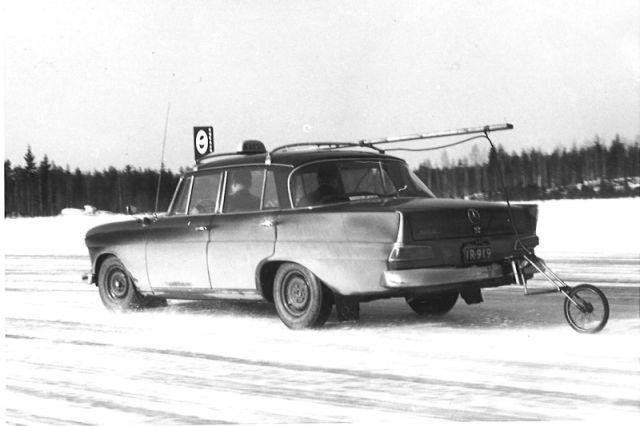 Ammattikuljettajat kuten taksiautoilijat ovat jo vuosikymmenien ajan osallistuneet maailman parhaiden talvirenkaiden testaamiseen.
