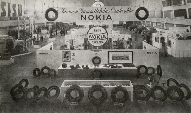 Suomen Gummitehdas's tyre exhibition at Helsinki Exhibition Centre in 1946.