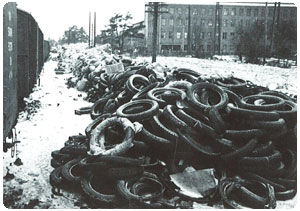 Rubber waste at Nokia railway station during the Continuation War.