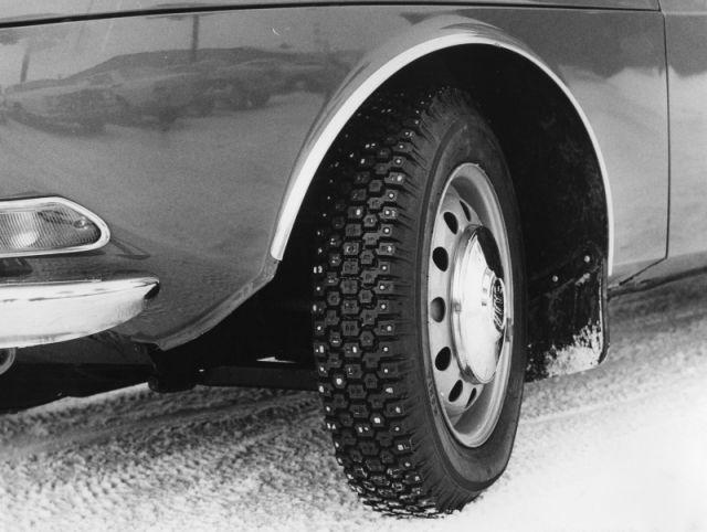 Первыми тестовыми автомобилями на заводе были закупленные в 1969 году модели Caaб 99.