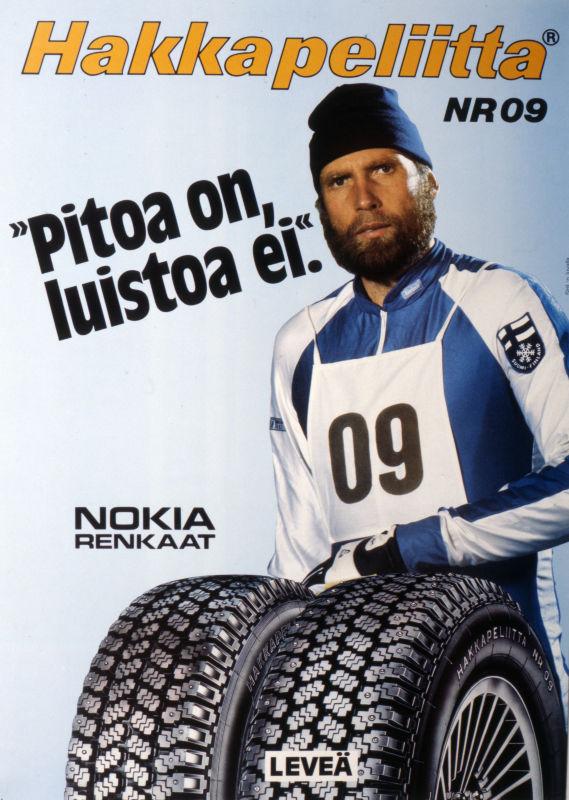 """Олимпийский чемпион по лыжным гонкам Юха Мието рекламирует шины Hakkapeliitta NR 09 подходящим слоганом: """"Отличное сцепление, никакого скольжения""""."""